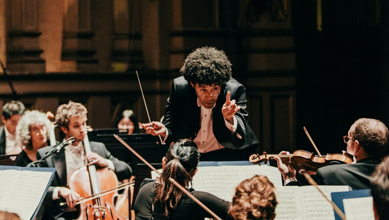 Rafael Payare conducting the San Diego Symphony in Copley Symphony Hall